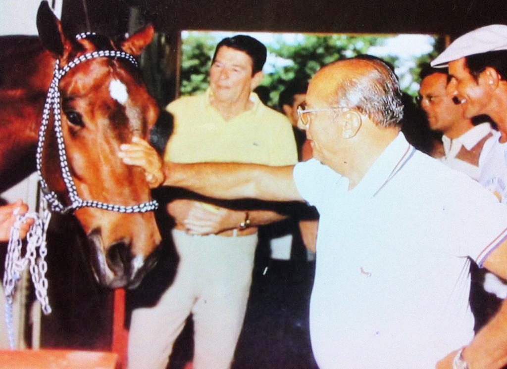 Detalhe da foto em ocasião no campeonato nos EUA com os dois presidentes Ronald Reagan e João Figueiredo