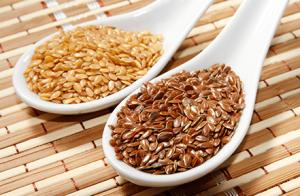 Alimentos que ajudam a controlar o colesterol: Linhaça